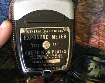 Vintage General Electric light exposure meter for photography