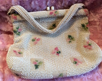 1950s Lumured Petite Beaded purse