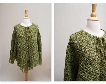 70s Handmade Poncho ⎮ 1970s Green Crocheted Cape ⎮ Vintage Boho Shawl
