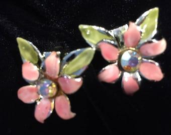 Earrings - Vintage - Clip - enamelled flower - Item no. VE020