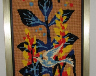 "Beautiful framed needlepoint ""abstract bird ""  10""1/4 x 13""1/4 approx./Très beau petit point ""oiseau abstrait "" 10""1/4 x 13""1/4 approx."