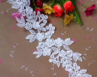 1 Pair Bridal Embroidery Lace Applique DIY Trim Appliques in White   for Weddings, Sashes, Veils, Headpieces, WL1766