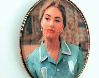 Twin Peaks Shelly embroidered brooch
