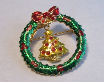 Vintage Estate Christmas Holiday Wreath Brooch pin Charm