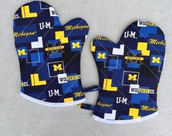 University of Michigan Medium Oven Mitts