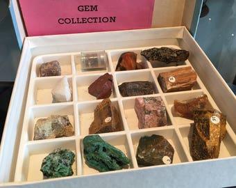 Boîte de collection de minéraux avec 16 roches
