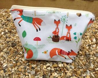Lovely Cheeky Fox Zip Bag