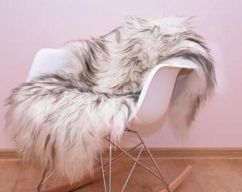 Sheepskin. Black and White Sheepskin Rug. Super Soft Silky Long Hair. Fur rug. Scandinavian style. Icelandic sheepskin.