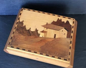 Vintage music box. Marquetry music box. Wooden music box. Vintage wooden box. Vintage Moon London