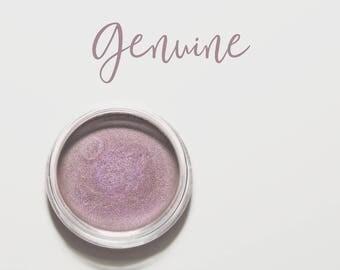 Organic Mineral Eye Shadow in Genuine