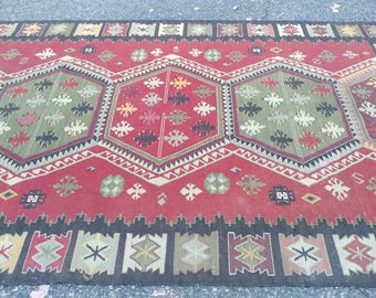 "Vintage Turkish Kilim Rug - 6'2"" X 9'"