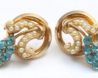 SBE # Vintage Gold Tone Screw Back Earrings with Unique Shape and Very Small Pearl-Like Beads and Blue Round Crystal Rhinestones