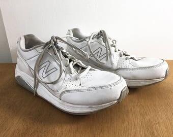 New Balance Shoes / Vintage Walking Shoes Men's Size 8.5 / 90s White Walker Athletic Shoes - Men's Vintage Leather Shoes / 928 Tie Sneakers