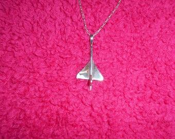 Silver Concord & Chain Pendant.