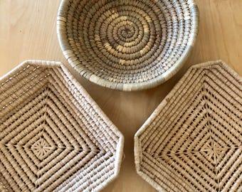 Set of 3 vintage coil basket/trays