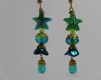 Czech glass dangle earring blue green with star and bellflower