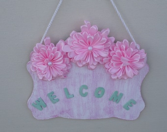 Plaque Welcome with Kanzashi Flowers