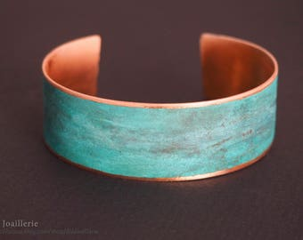 Bracelet in Copper with Copper nitrate Patina coated in Varnish / / gift for her.