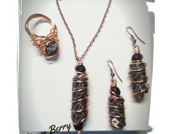 Elegant paper and wire sets