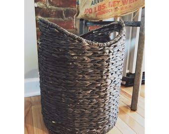 Farmhouse Style Rustic Brown Wicker Woven Storage Basket (Blanket Storage, Pillow  Storage, Etc