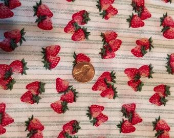 Strawberry Fun Vintage Fabric For Quilts, aprons, and sew much more (41)