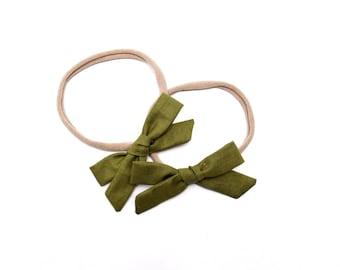 Juniper Green Bow | Baby headband set, Baby bow Headbands, Small Bows, Baby Bows, Newborn headbands, Nylon Headbands, Baby hair bows,