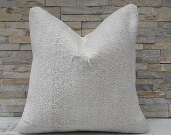 White Kilim pillow, Kilim pillow cover, Boho pillow, Home living, Home design, Decorative pillow, Turkish pillow, Kilim cushion