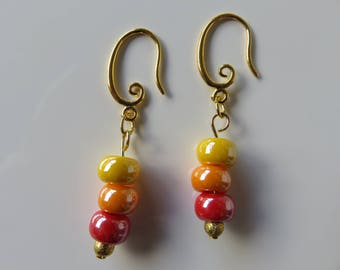 "Golden earrings ""Mila"", three colorful glass beads"
