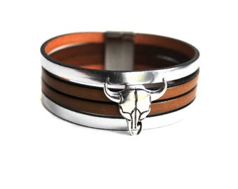 Silver plated Buffalo head leather cuff