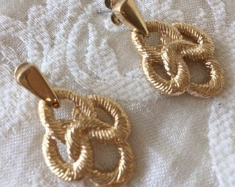 Vintage Trifari Gold Tone Pierced Earrings Rope Design 1980s