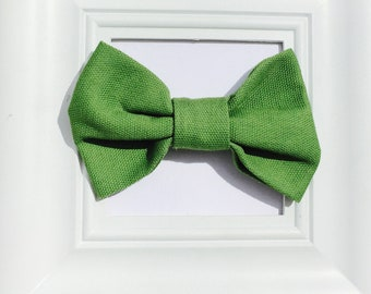 Green Bow Tie, St. Patrick's Day Bow tie, Green Boys Bow tie, Green Infant Bow tie, Pre- tied Bow tie, Handmade Bow ties, NewBorn Bow tie