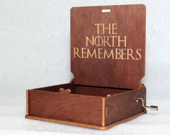 "The North Remembers - Engraved Wooden Music Box - ""Game Of Thrones"" - Night's Watch - Hand Crank Movement"