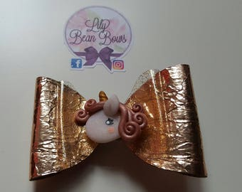 Rose gold unicorn bow