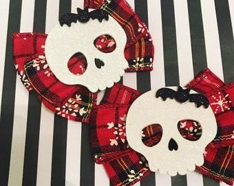 Holiday skull bow