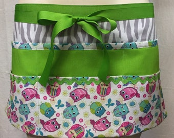 Teacher Apron with 6 pockets also perfect half apron for Wait Staff, Sales Staff, Yards Sales, Gardening or Cooks