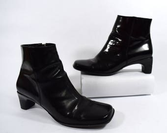 Cole Haan Boots Black Leather Vintage Womens Ankle Boots Size 6.5B