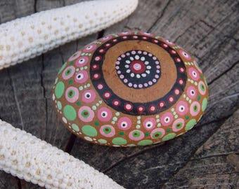 Pebble handpainted, way mandala...