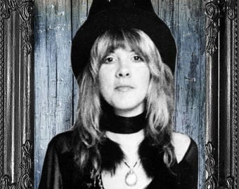 Stevie Nicks Print-  Rock and Roll Poster- Music Celebrity Art Print, Stevie Nicks Gift -1970s Music Gift- 70 Music Poster - Indie Decor