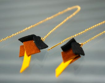 Leather earrings with chain