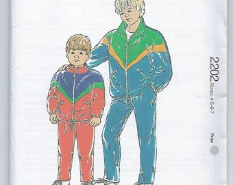 Kwik Sew 2202 - BOYS Windsuit / Sizes 4, 5, 6, 7