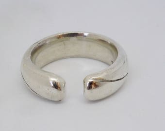 Beautiful silver ring (buckle ring)
