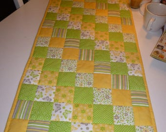 Table runners spring