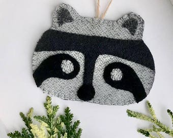 Wool Raccoon  - Forest Animal Ornament - Raccoon Lover Gift - Woodland Animal Gift - Woodland Nusery - Raccoon Valentine Gift - Child's Room