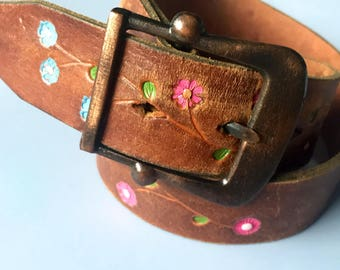 Vintage 1960s Size S/M Hand-Tooled & Painted Leather Belt