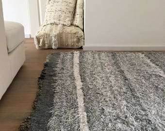 Moroccan rug 230x143cm grey white with fringes