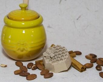 Honey Oatmeal Soap - Handmade Organic with Real Honey and Cinnamon Soap