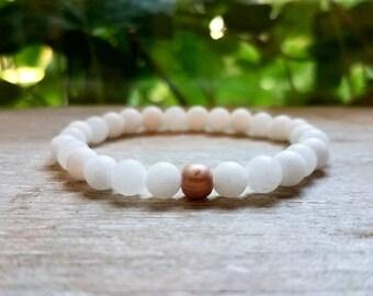 Wood & Stone Stretch Bracelet, Pink Rosewood / Matte white Onyx Bracelet, Stacking Bracelet, Gemstone Bracelet , Yoga Bracelet, Jewelry