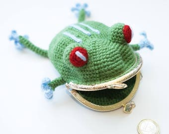 handmade crochet coin purse with love, frog is waiting for his coin