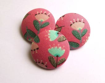 3 buttons covered with 32 mm in pink fabric flowers, buttons