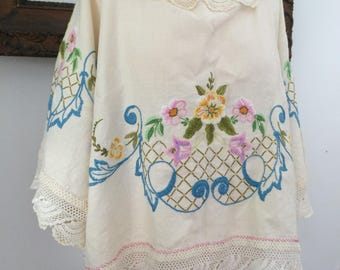 Angel sleeve embroidered blouse